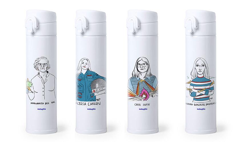 Mockup botellas con diseños de Daniella Martí